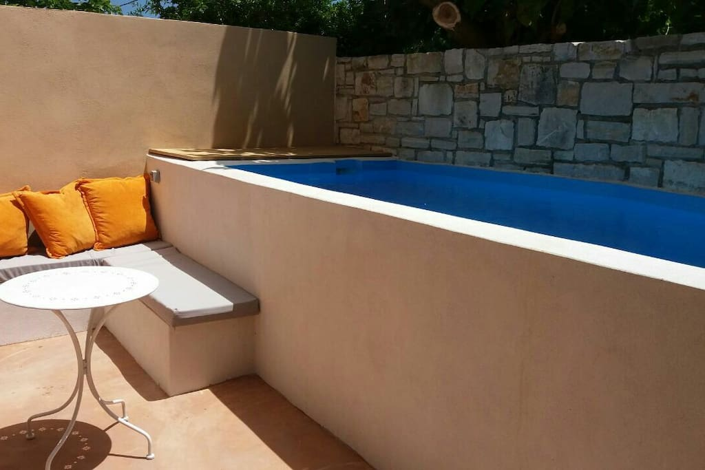 Private pool with exterior sofa!