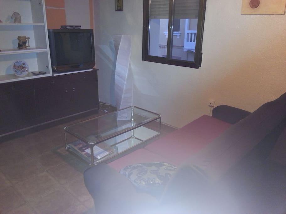 Alquilo primer piso soleado appartements louer utiel for Pisos en utiel