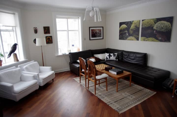 Bright and beautiful apt in 101