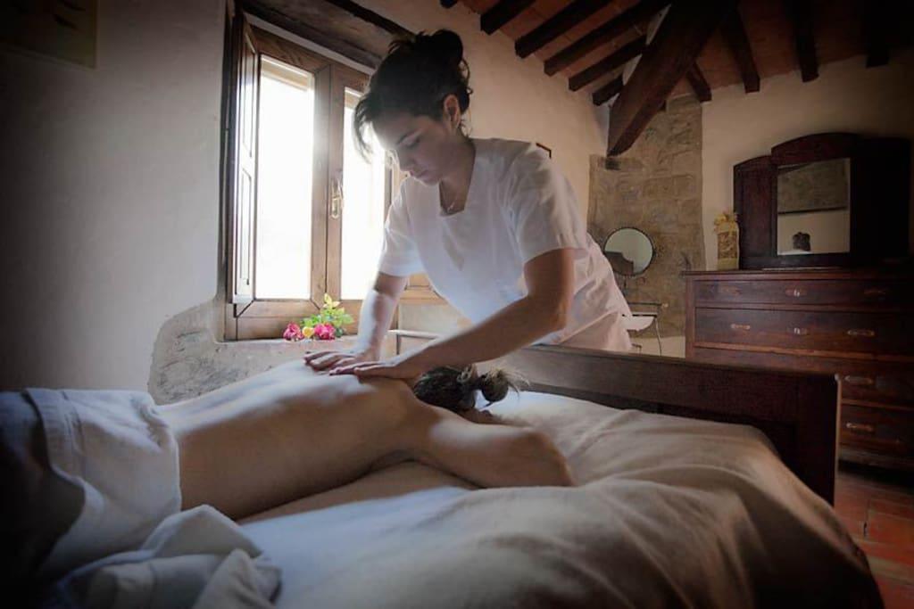 possibili su richiesta massaggi decontratturanti e rilassanti