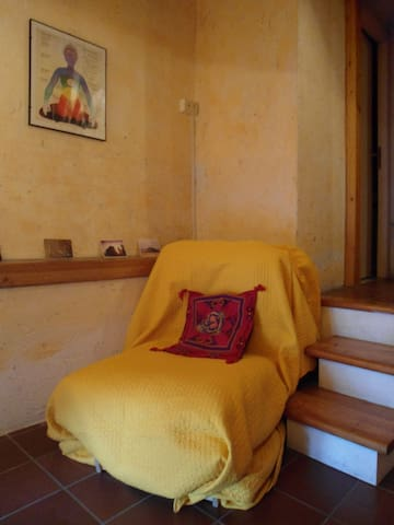Meditative room in charming tower - Monte Compatri - บ้าน