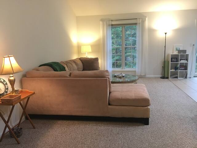 Cozy Bed & Bath close to Saratoga Springs & Albany