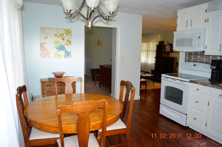 Nestled Inn - Deerfield - Appartement
