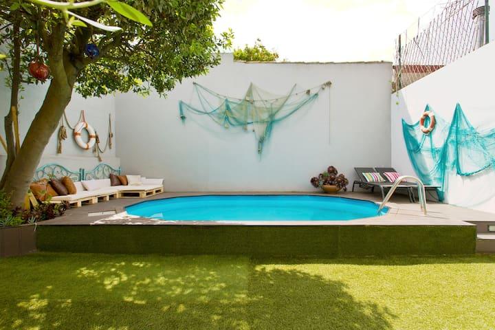 Glamours beach house - near Oporto city