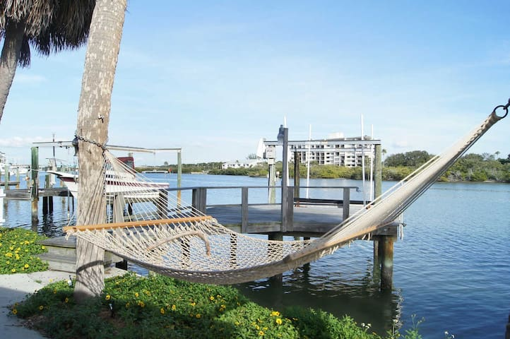 The Key Lime Cottage - Indian Rocks Beach - House