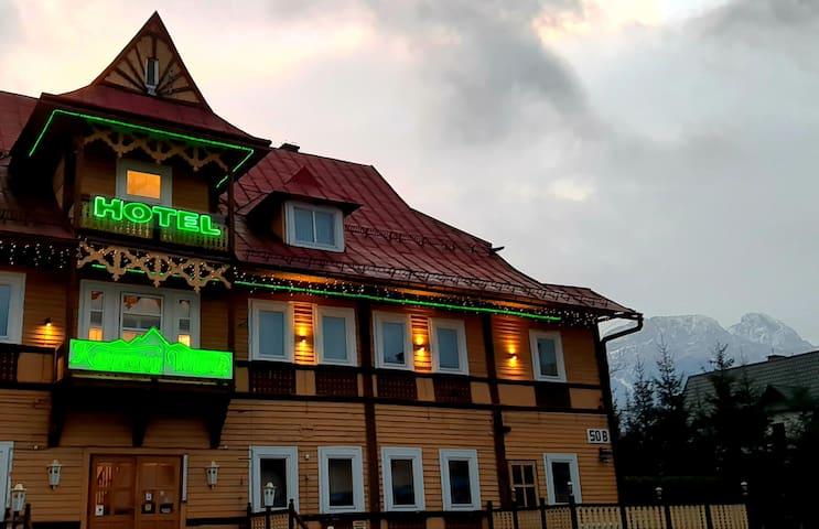 Hotel Kasprowy Wierch - Delux 4p; 102