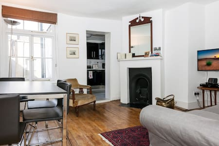 2-bed Flat in Historic Soho House