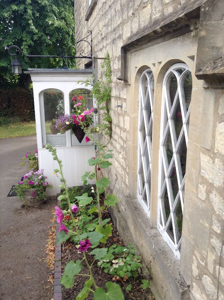 Beautiful Grade 2 listed house in central Stroud