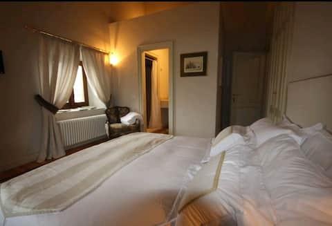 Suite 3 Castello di Mornico Losana