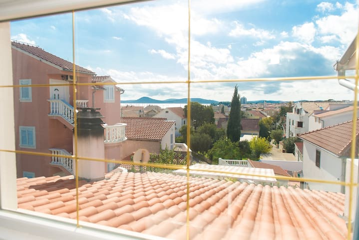 Sweet apartment with panorama view - Vodice - Apartamento