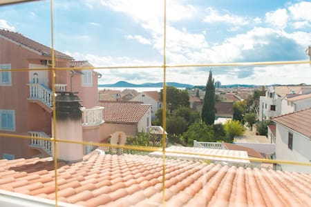 Sweet apartment with panorama view - Vodice - Daire