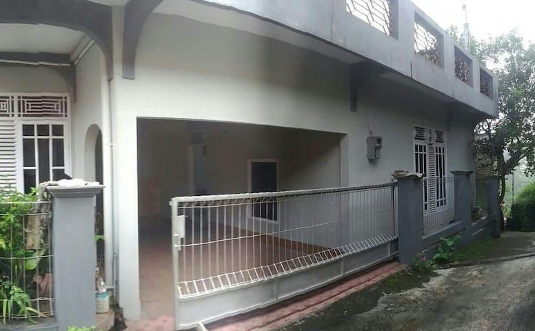Rumah di pusat kota magelang - kota magelang - Ev