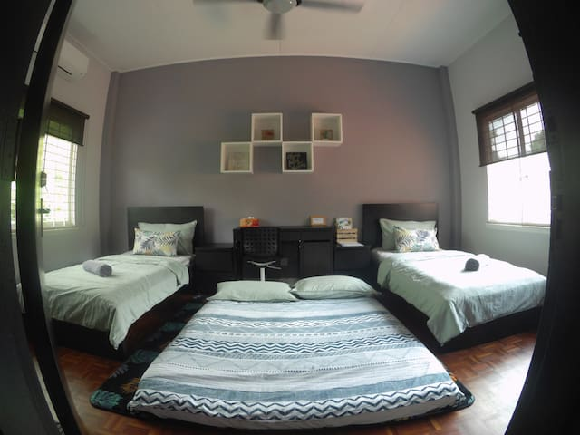 Near University Malaya, Spacious Bedroom, 2 Bed