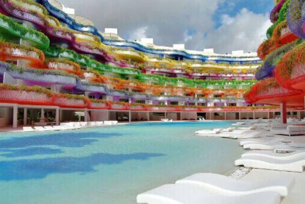 Las boas 3 habitaciones marina botafoch apartments for for Gimnasio illes