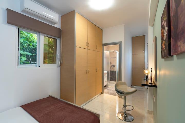 The second bedroom with its own en-suite bathroom