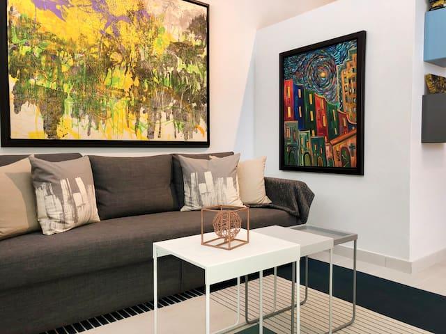 Art Gallery Studio in the Heart of San Juan