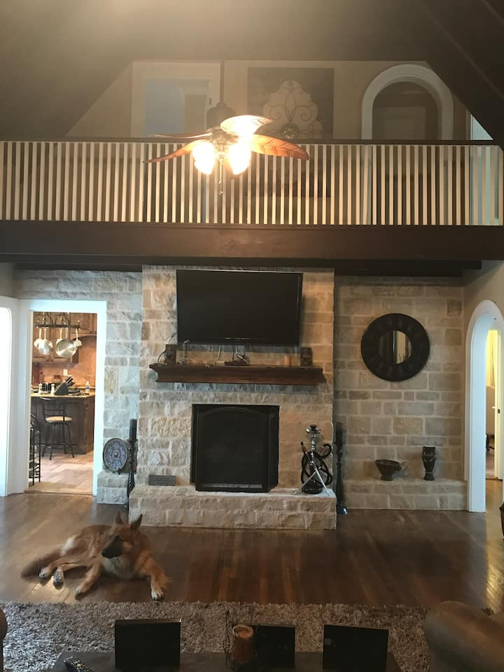 Spacious Home just  minutes from Historic Downtown