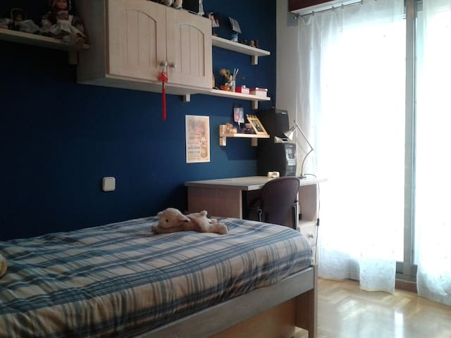 Room - San Sebastián de los Reyes - Bed & Breakfast