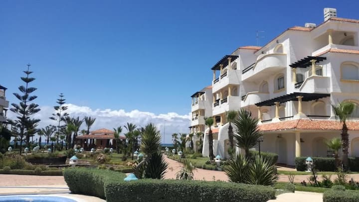 Superbe Appart au Beach, plage piscine et jardins