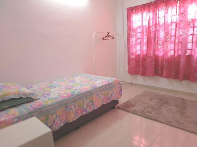 2nd Bedroom. Single bed