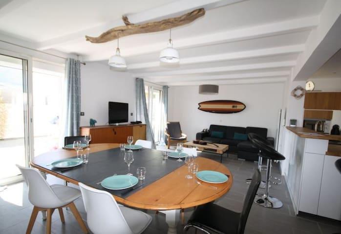 Belle villa de 105m² en bord de mer.