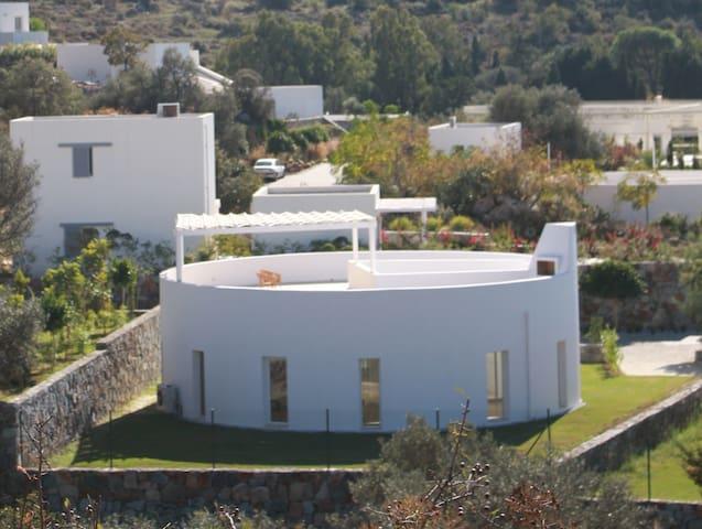 Beautifully Designed Gumusluk Villa - Gümüşlük - Villa