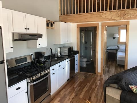 Maple Ridge Guest Apartment