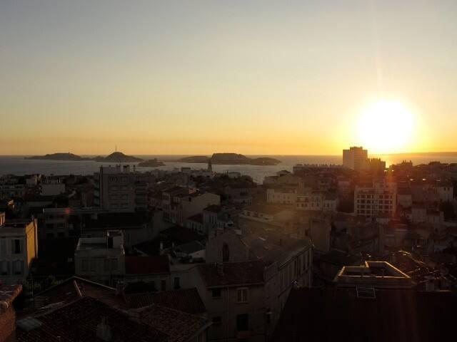 De merveilleux couchers de soleil en perspective...