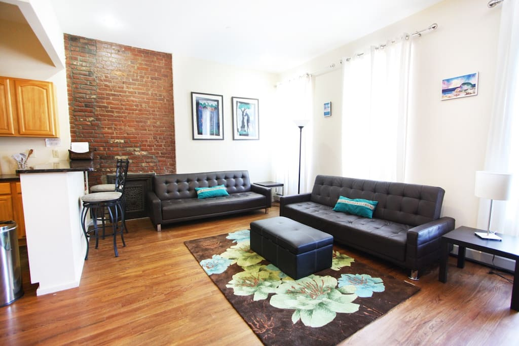 Beautiful 2 bedroom townhouse nyc apartments for rent in for Beautiful apartments in nyc