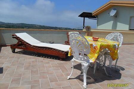 Rooms to rent with ocean view WIFI - Gonnesa - Huoneisto