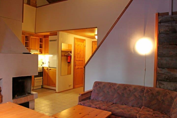 Kelotalon pääty tosi hyvä sijainti - Kittilä - Apartamento