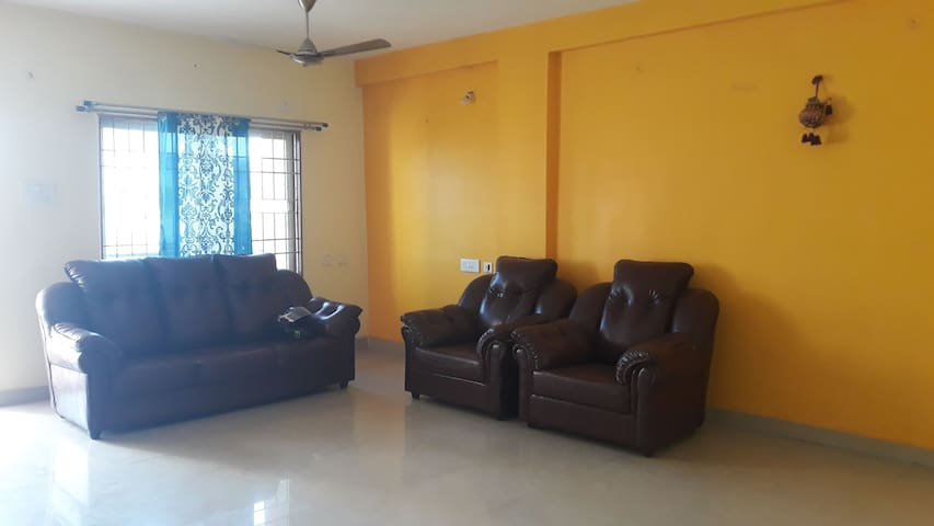 Vizag GVB Homestay 6 Person
