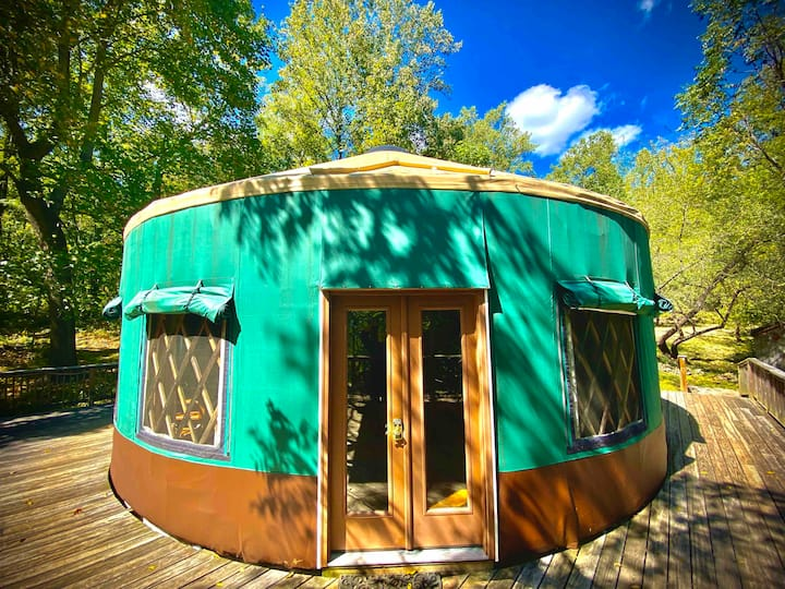 YURT*MTNRetreat*HotTub*15%offWkly*FARM*Goats*Wifi