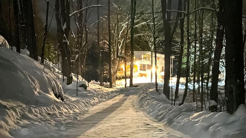 ADK Stream Home, Royal Mtn & ski trails close by