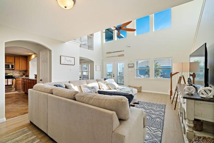 🏝 Beach Views | New Remodel | 2 decks | Sleeps 18