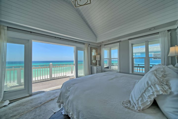 Beautifully Updated Gulf Front Home-Private Beach-Hot-Tub