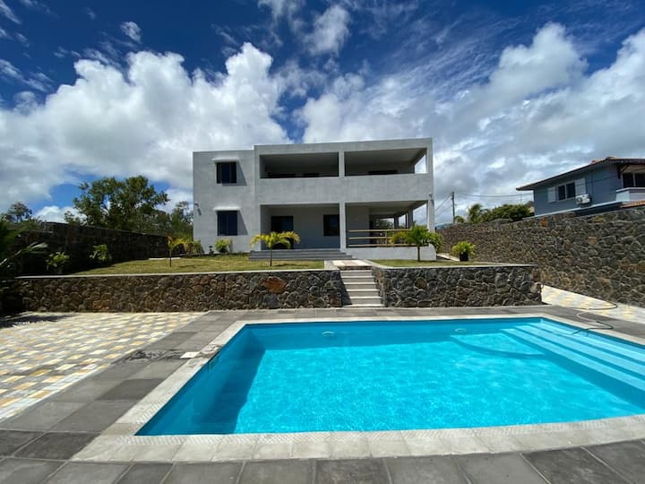 Brand new Villa in Mauritius with pool!