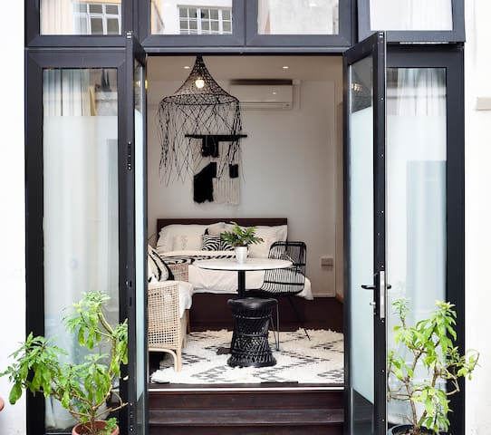 Bright & Airy, Scandi-Style Loft in Shophouse:)!