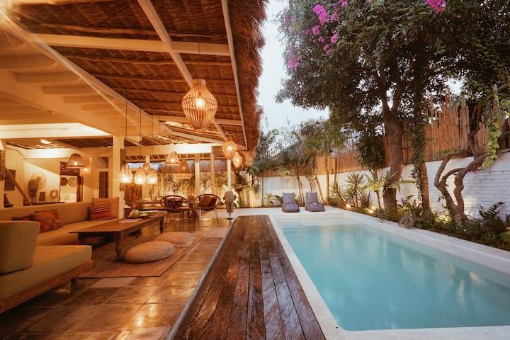 Oma Villa - A tropical sanctuary of Seminyak