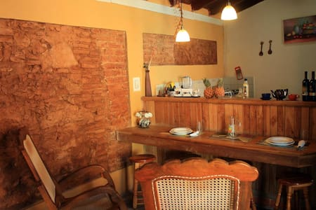 Hostal La Casita de May - Bed & Breakfast