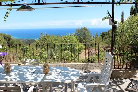 Maison à Sari entre mer et montagne - Sari-Solenzara