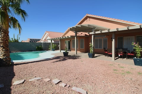 Atelier: Clean, Spacious  4bed, 3bath w/Pool