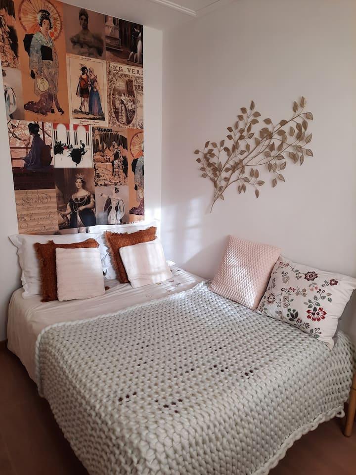 Jolie chambre privée confortable