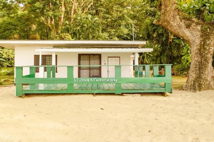 Man 'O War Bay Cottage #3 (4 Bedroom)
