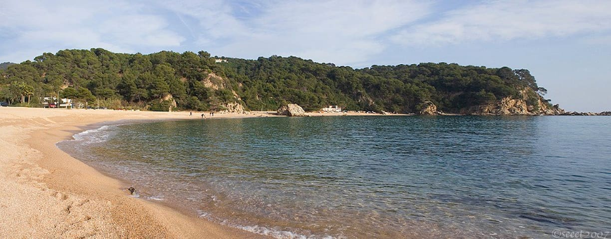 BEACH 5 MIN WALK, COSTA BRAVA, NATURE & PEACE mim - Льорет-де-Мар - Дом