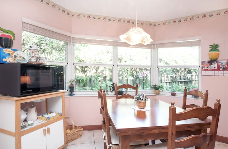 Miami 2017: Miami Vacation Rentals & Beach Houses - Airbnb, Florida ...