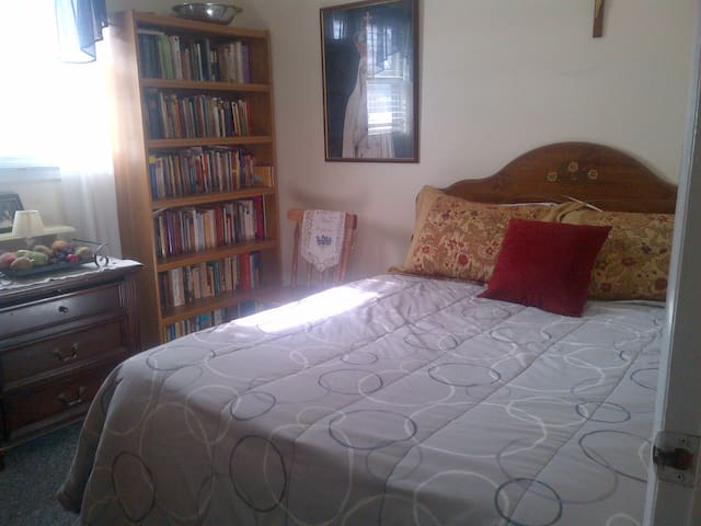 Lovely, Close to Everything, Fresh - Corning - Bed & Breakfast
