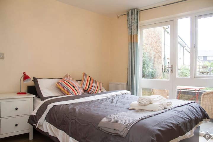 Stunning One Bed Apartment