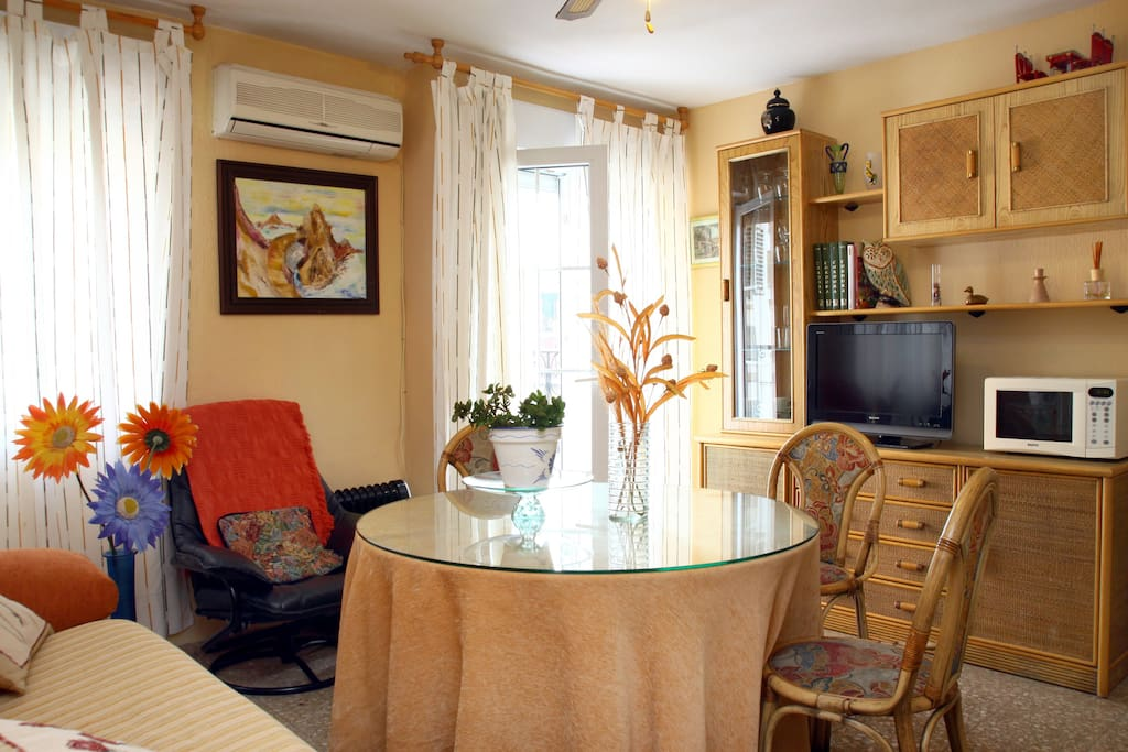 APARTMENT VERY BRIGHT AND CHEERFUL