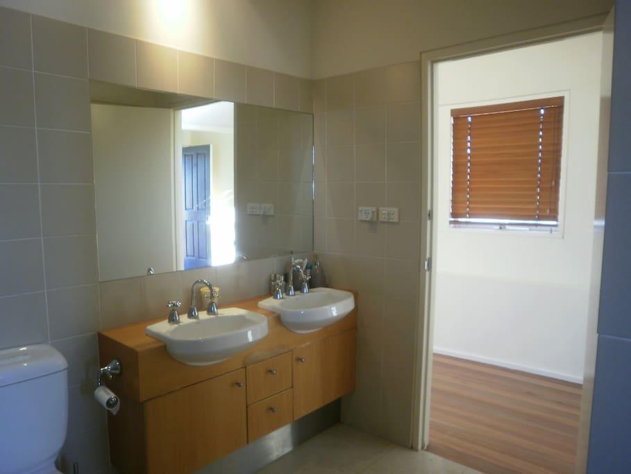 Bathroom through to hallway